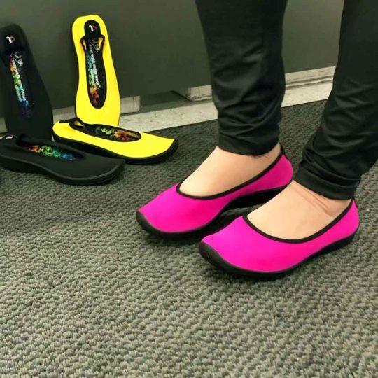 Gabinet Zdrowych Stóp buty Arcopedico w przymierzalni