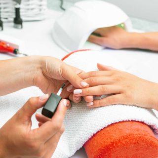 Gabinet Zdrowych Stóp manicure żelowy